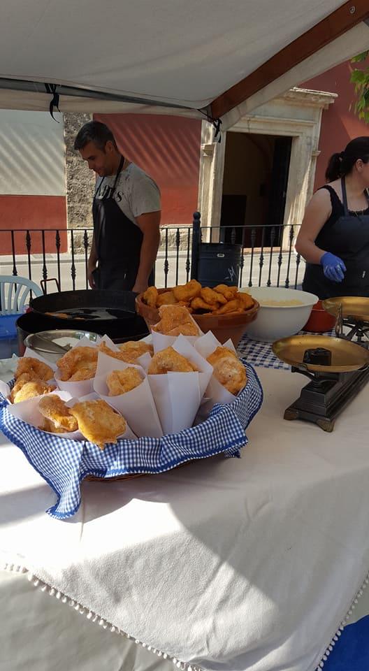 Las tortas fritas en el Mercado del Peregrino de Caravaca.