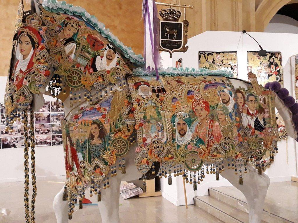 Bordado del caballo en la exposición de la Peña Mayrena.